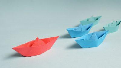 Leader boat